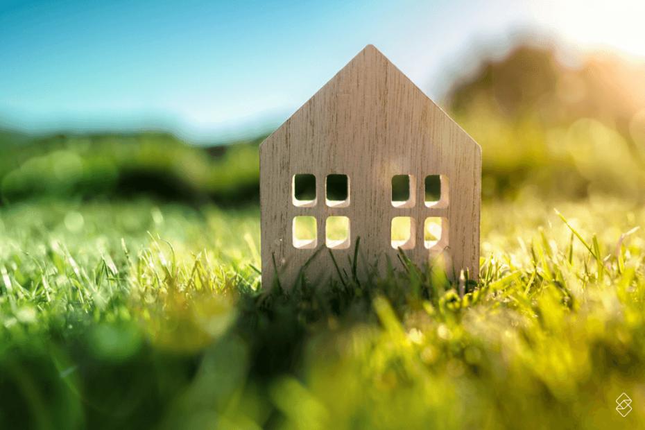 miniatura de uma casa que pode ser construída após realizar o consórcio de terreno