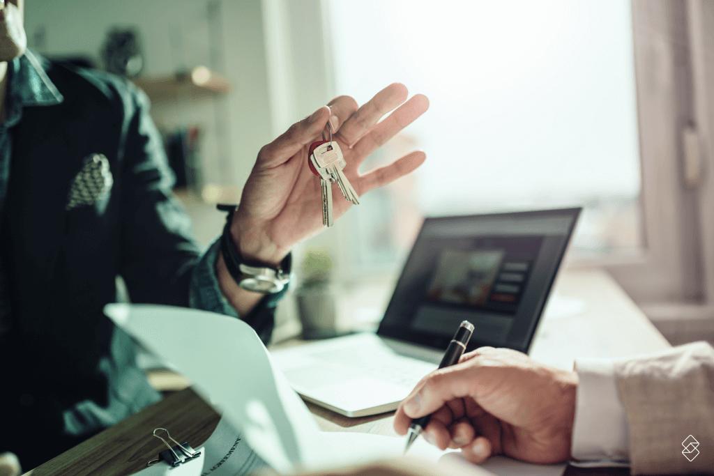 entrega das chaves de um apartamento financiado pela caixa